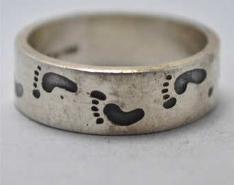 T18D08 Vintage Modern Sgnd Taxco TV-118 Barefoot Footprint 925 Sterling Silver Ring Sz 12.5 Mexico