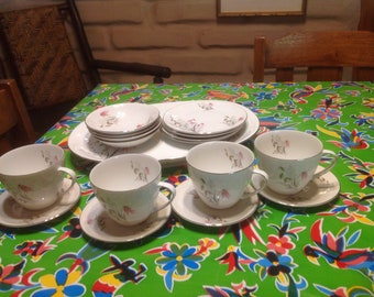 Vintage Royal Duchess Mountain Bell Fine China from Bavaria Germany dinnerware set