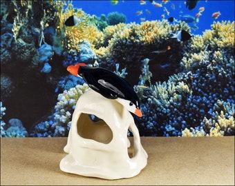 Aquarium ornaments diving penguin figurine glazed porcelain for fun fish tanks Aquatic creatures fish cave hide aquarium decor
