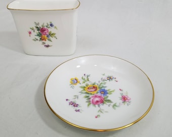 Vtg Minton Marlow Cigarette Holder and Ashtray with Gold Trim Bone China - Made in England