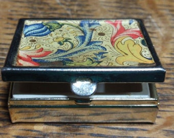 Vintage flower print pill/makeup case