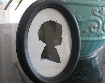 Black Wooden Oval Classic Frame