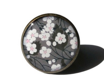 SAKURA RING - 桜 - Cherry blossom RING - Japanese Sakura ring - Her gift - Cherry Blossoms - flower pendant - gift under 20