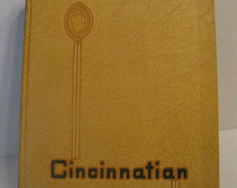 1952 University of Cincinnati Cincinnatian Yearbook Cincinnati OH