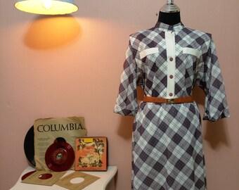Plaid Suit. Womens Suit. Women's Dresses. Vintage Suit. 1950 Suit. 1950 Suit. 50's Fashion. Womens Suits. Womens Fashion. free shipping