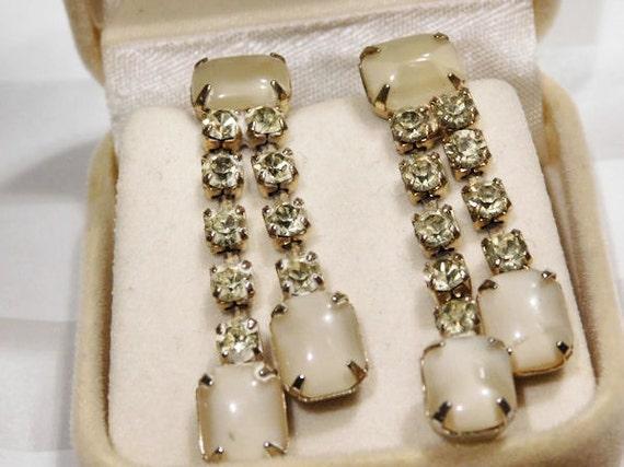 Vintage Rhinestone Dangle Earrings / Moonglow / Screw Back
