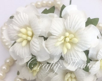 15 White Mulberry Paper Flowers for Baskets Scrapbooks Wedding Faux Cupcake Cards Dolls Crafts Rainbow 15/zS4