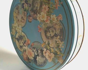 "Victorian Powder Blue Memories 9.5"" Tin 3515/2907"