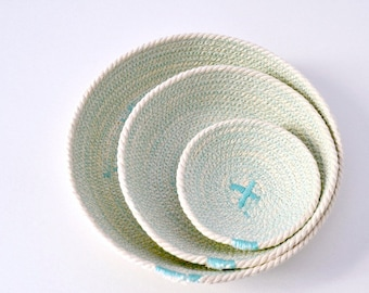 Set of three cotton cord plates in aqua