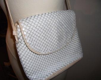 VTG Metal Link Over the Shoulder Purse // Beige Leather