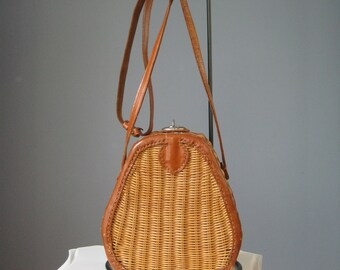 Wicker Basket Bag / Vtg 50s / Creel Style wicker basket bag / Green lining