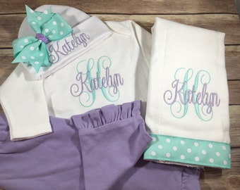 Baby Girl Coming Home OUTFIT Girl, Personalized Baby Gown, Baby Girl Clothes, Lilac Personalized Baby Outfit, Personalized Newborn