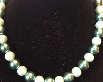 Green choker style necklace 16""