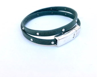 Forest green rhinestone magnetic leather bracelet, magnetic bracelet, green leather, leather bracelet