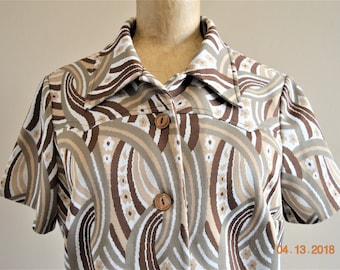 """70's Vintage Polyester Blouse, Size Medium,Large ,36"""" to tight 40"""" Chest,Western Cut Yoke Front,Funky Abstract Print Button up Shirt"""