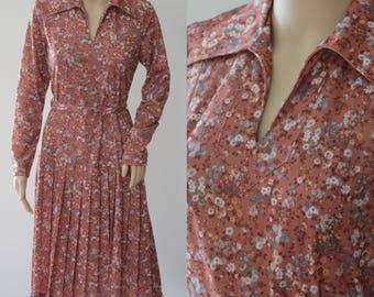 SALE - Darling 70s Floral Dress