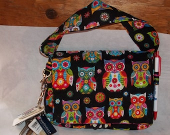 """Wise Owl Coupon Organizer Tote Bag Quilted Sorts Coupons with Key and Pen Holder 7' 'x 9"""" X 2"""" wide Colorful Owls lines with stripes"""