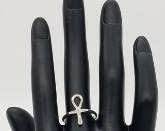 """Vintage Sterling Silver Egyptian Ankh """"Symbol of Life"""" Ring - Size 7"""