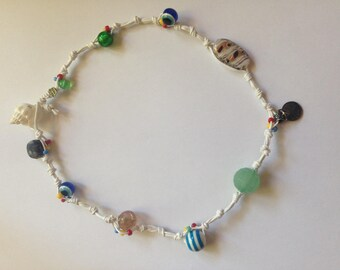 Glass seashell pearls bracelet White crew neck fastening special nodes