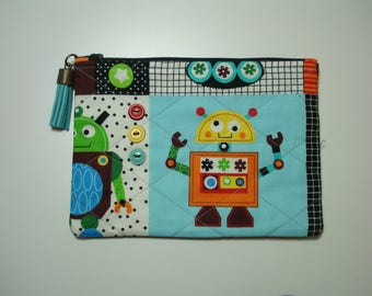 Cosmetic PURSE / Robot Purse / Cosmetic Pouch / Quilted Zipper Pouch / ROBOTS Organizer / Colorful Robots Cosmetic Bag / Tassel Zipper Pull