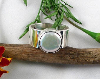 White Coin Pearl Sterling Silver handcrafted Ring sz.8,wide gem stone ring, one of kind