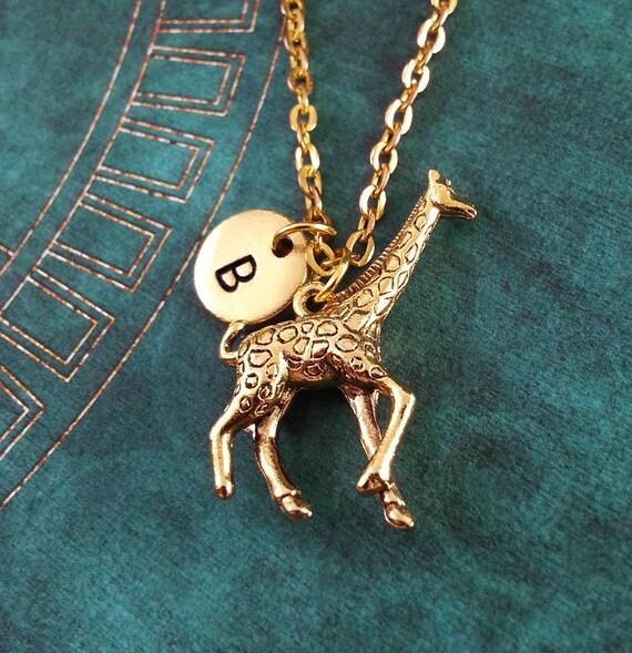 Giraffe necklace small giraffe charm giraffe pendant necklace te gusta este artculo aloadofball Choice Image