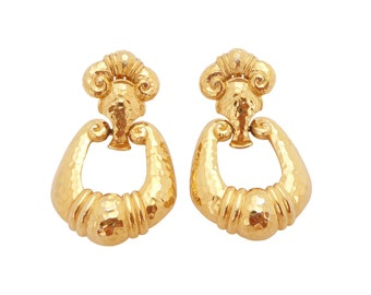 1980s Vintage Jose Maria Barrera for Avon Corinthian collection historical queen etruscan designer chunky  statement clip on earrings