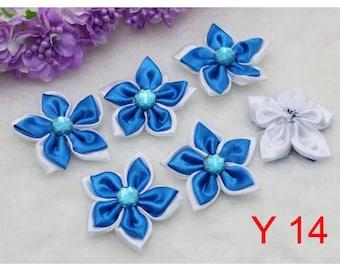 SET OF 5 FLOWER SATIN APPLIQUES HAS 5 PETALS