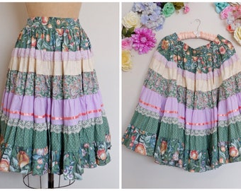 Vintage Square Up Lace Floral Ribbon Tier Ruffled Skirt/ Bohemian Square Dance Flower Print Purple Green Pink Full skirt/ Plus Size Hippie