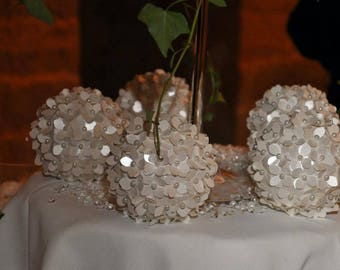 Centerpieces or decorations for confetti holder