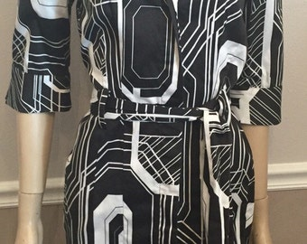 Project Runway designer Black and White stretchy artsy dress / size Small