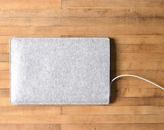 """Simple MacBook Air / MacBook Sleeve - Grey Felt - Short Side Opening for 11"""" MacBook Air, 13"""" MacBook Air or 12"""" MacBook"""