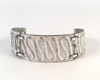 Silver Panel Bracelet - Wavy Line Detail - Vintage 60s 70s - Shiny Silver & Brushed Textured Silver - Curved Panels - Signed Sarah Coventry