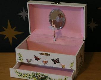 Vintage Ballerina Musical Jewellery Box Somewhere Over The Rainbox Butterflies Holly Hobbie Style