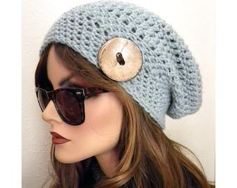 Bonnet de Teal Slouchy Beanie chapeau, chapeau crocheté, lumière, chapeau d'hiver, chapeau avec noix de coco bouton, ados accessoire, chapeaux de femmes