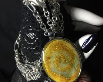Glittering Gold Swirl pendent