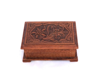 Vintage Wooden Jewelry Box, Small Wooden Trinket Box Jewellery Box, Hand Carved Wooden Box, Lidded Wood Trinket Box, Wood Storage Box