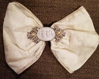Beautiful Vintage Ivory Baroque  Wedding Hair Bow Barrette