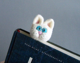 White cat bookmark Wool animal Cute cat kitten Fun reading Original accessory Bookworm geek teacher pupil school Book Gift for him and her