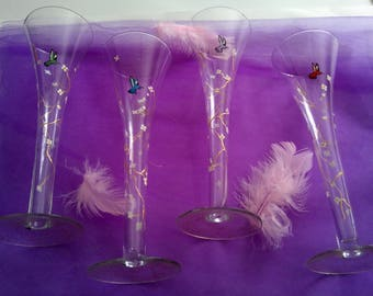 Painted champagne glasses / Hummingbird on glasses/painted birds
