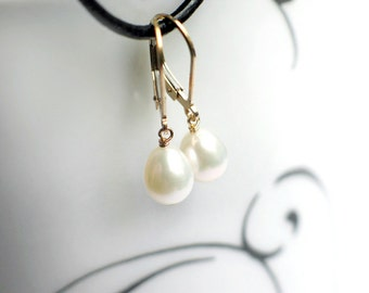 Pearl Droplet Earrings | Ivory White Freshwater Pearls | 14k Gold Filled Leverback Earrings | Everyday Small Pearl Dangles | Ready to Ship
