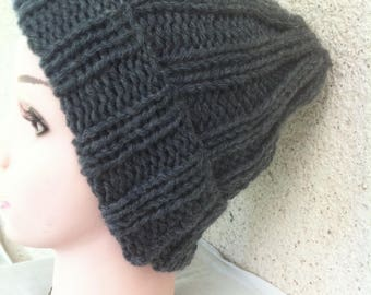 Hand-knitted average grey hat(cap) of color