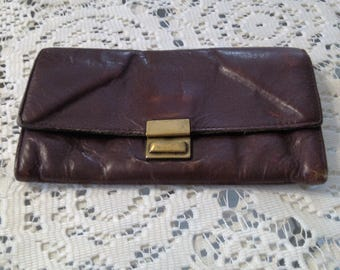 Vintage Shabby Chic Soft Leather Wallet with 3 Compartments Plus a Zippered Space