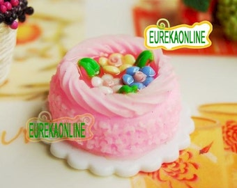 Dolls House Miniature Cake