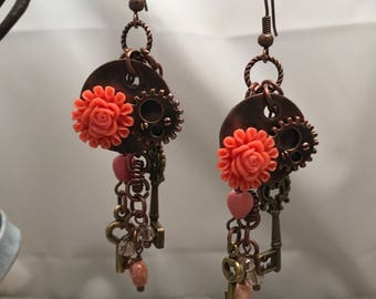 Steampunk flower and key earrings in bronze