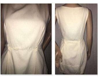 White Theory Dress. Size: 4