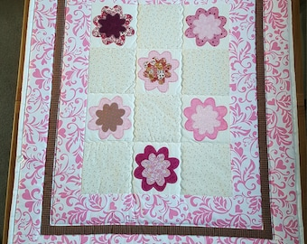 Patchwork Lap/Baby Quilt: Pink Flowers