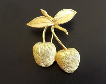 Designer Signed Vintage Brooch Sarah Coventry Costume Jewelry Accessories Casual Dressy 1960s