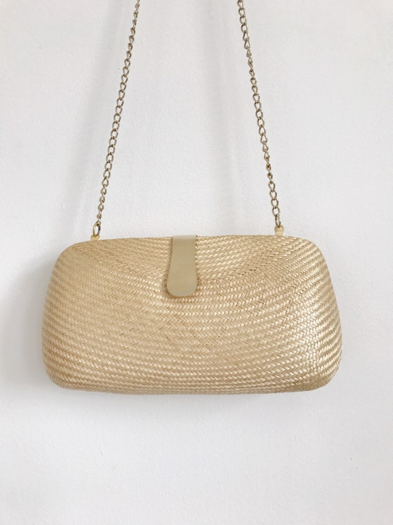 clamshell vintage purse