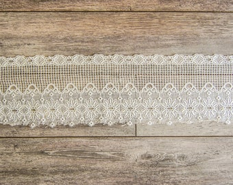 Coupon of sheer macrame curtain breeze Kiss to revamp shabby chic style, application on textiles, curtains vintage embellishment
